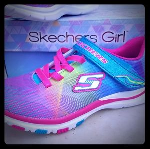 Sketchers Dash and Dazzle NWT sz 3 girls shoes